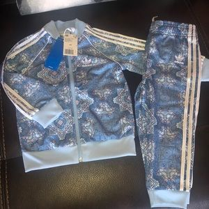 Adidas Girls Set size 3TD and Size 2TD and 3 mon